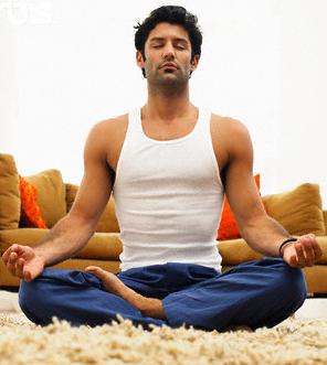 mann meditasjon