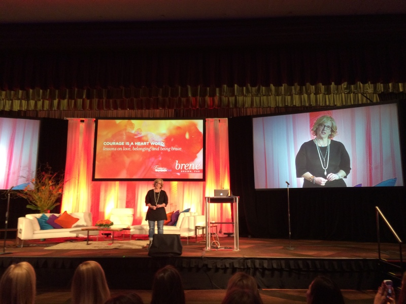 Dronningen av mot og sårbarhet, Brené Brown, under konferansen Emerging Women LIVE i New York.
